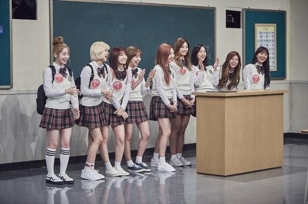 Loạt idol group không cần đeo bảng tên khi đi show: Nhà SM thống lĩnh, BTS, BLACKPINK, TWICE... bất ngờ vắng mặt - Ảnh 2.
