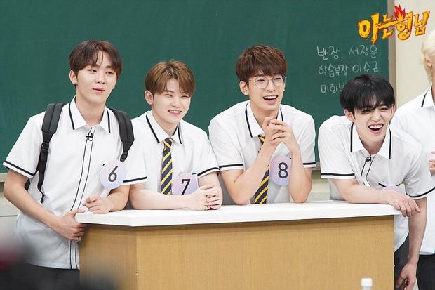 Loạt idol group không cần đeo bảng tên khi đi show: Nhà SM thống lĩnh, BTS, BLACKPINK, TWICE... bất ngờ vắng mặt - Ảnh 6.