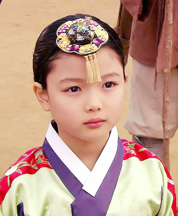 """Dàn sao """"Dong Yi"""" sau 10 năm: Nữ chính - phụ lận đận tình duyên, Kwang Soo hẹn hò """"Tiểu Song Hye Kyo"""", sao nhí lột xác đỉnh nhất - Ảnh 7."""