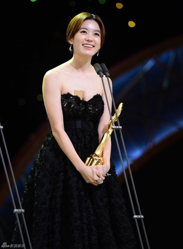 """Dàn sao """"Dong Yi"""" sau 10 năm: Nữ chính - phụ lận đận tình duyên, Kwang Soo hẹn hò """"Tiểu Song Hye Kyo"""", sao nhí lột xác đỉnh nhất - Ảnh 5."""