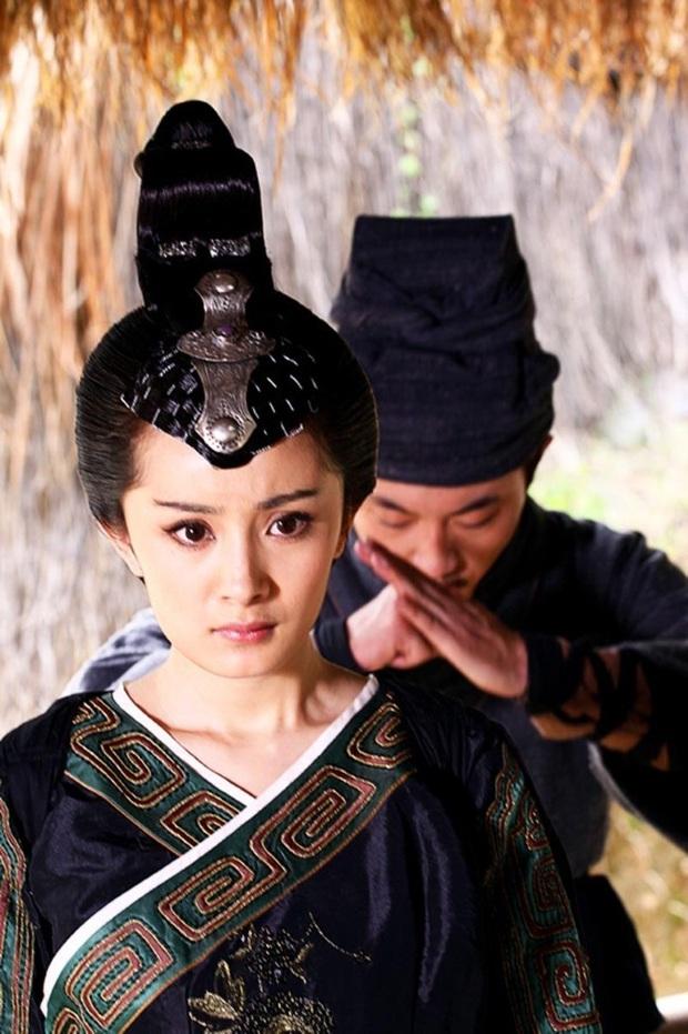 9 mỹ nhân hóa sát thủ siêu ngầu trên phim Trung: Chương Tử Di khí chất ngời ngời, Lưu Diệc Phi hứng trọn gạch đá - Ảnh 20.