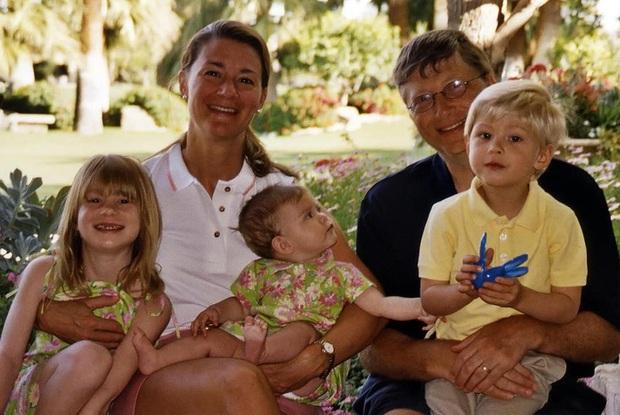 Con gái tỷ phú Bill Gates lần đầu tiết lộ cuộc sống bên trong gia đình tài phiệt của mình: Tôi được sinh ra trong môi trường đầy những đặc quyền - Ảnh 2.