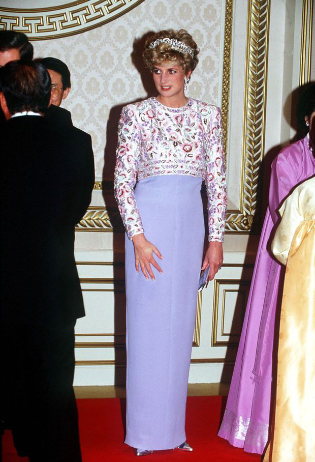 Sự thật về bức ảnh phơi bày cho toàn thế giới biết cuộc hôn nhân đã chết của Công nương Diana: Gần ngay trước mắt mà xa tận chân trời - Ảnh 4.