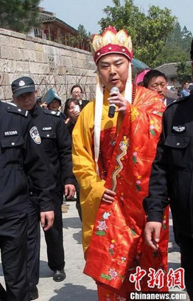 Đường Tăng Từ Thiếu Hoa: Đố kị với Trư Bát Giới vì 18.000 đồng cát xê, hết thời lại gây tranh cãi vì hát dạo Tây Du Ký kiếm tiền - Ảnh 18.