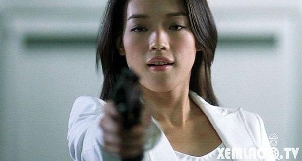 9 mỹ nhân hóa sát thủ siêu ngầu trên phim Trung: Chương Tử Di khí chất ngời ngời, Lưu Diệc Phi hứng trọn gạch đá - Ảnh 8.