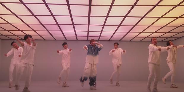 Sơn Tùng M-TP trình diễn sân khấu live đầu tiên của Có Chắc Yêu Là Đây: xem xong cứ tưởng đang xem phần 2 của MV? - Ảnh 3.