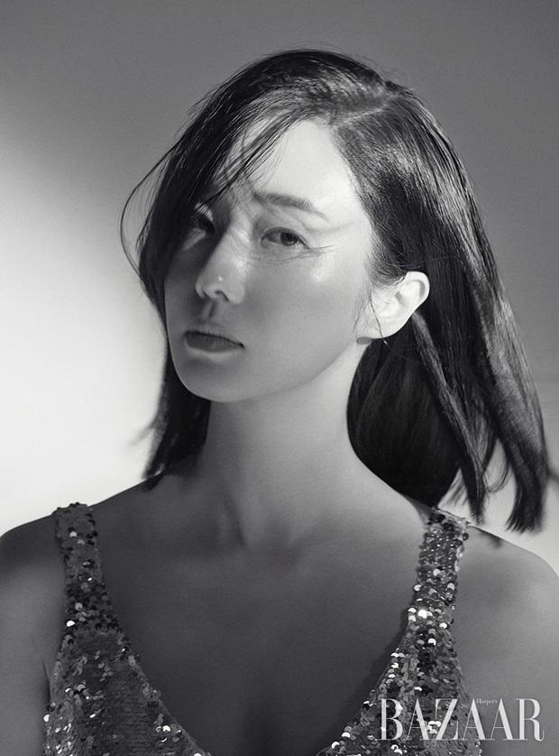 Mỹ nhân hot nhất Train To Busan 2: Lady Gaga xứ Hàn, bị đồn hẹn hò đạo diễn tuổi chú, sau kết hôn với fan nhờ... Kwon Sang Woo - Ảnh 14.
