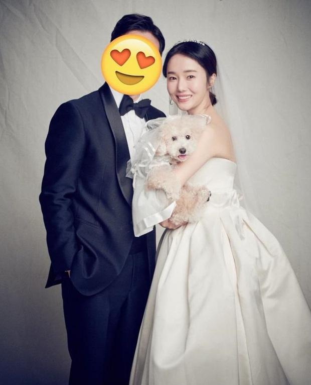Mỹ nhân hot nhất Train To Busan 2: Lady Gaga xứ Hàn, bị đồn hẹn hò đạo diễn tuổi chú, sau kết hôn với fan nhờ... Kwon Sang Woo - Ảnh 16.