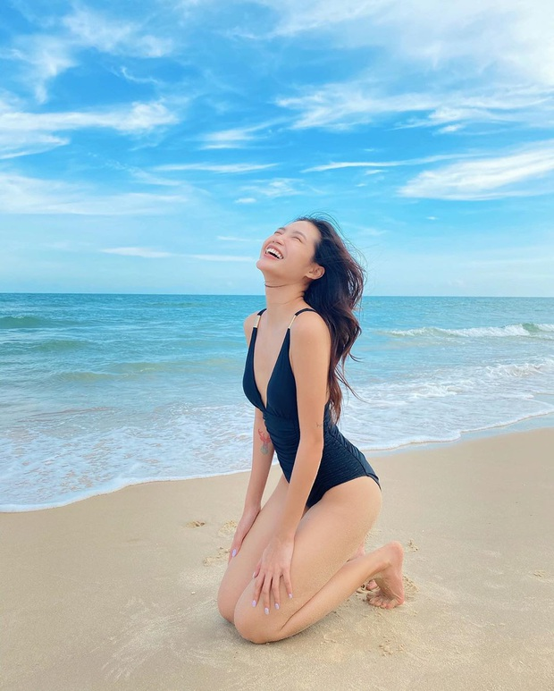 5 kiểu đồ bơi hot nhất hè này chị em nên update: Hay ho nhất là kiểu tạp dề chẳng hở nhiều mà vẫn sexy - Ảnh 4.
