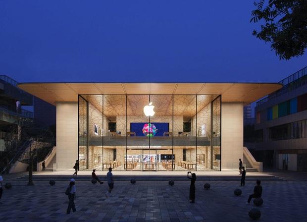 Apple Store đẹp nhất Trung Quốc vừa mở cửa, đúng chất tối giản nhưng đầy tinh tế của nhà Táo - Ảnh 1.