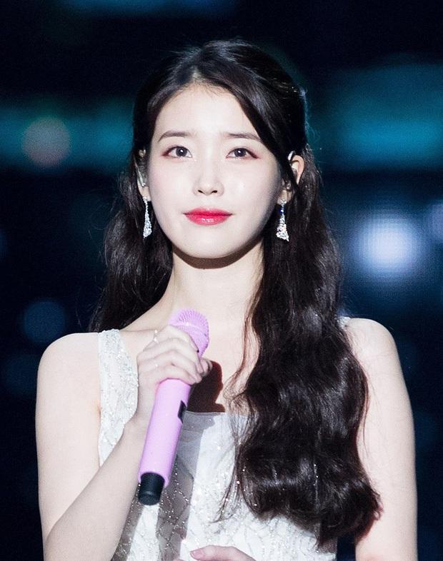 6 nàng Bạch Tuyết xứ Hàn: Da trắng, tóc đen như gỗ mun, có người 30 tuổi rồi vẫn chưa một lần nhuộm tóc - Ảnh 14.