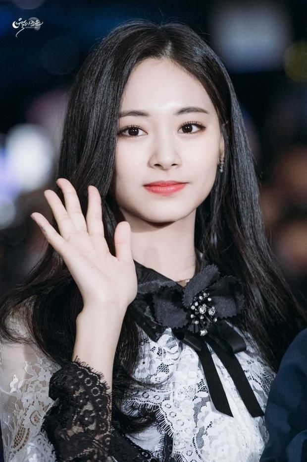6 nàng Bạch Tuyết xứ Hàn: Da trắng, tóc đen như gỗ mun, có người 30 tuổi rồi vẫn chưa một lần nhuộm tóc - Ảnh 18.