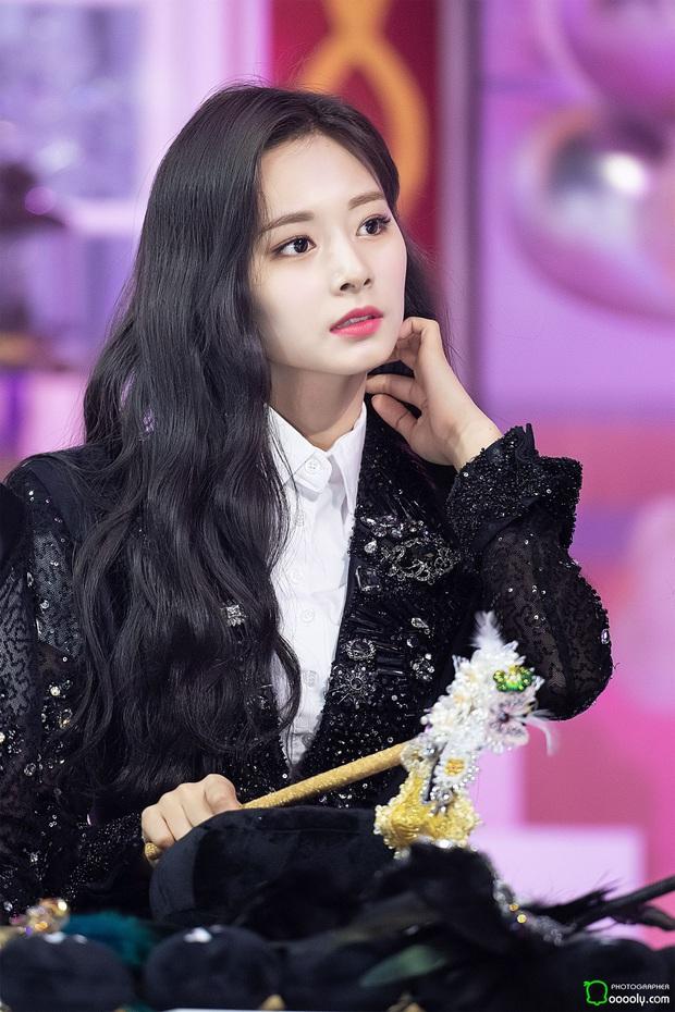 6 nàng Bạch Tuyết xứ Hàn: Da trắng, tóc đen như gỗ mun, có người 30 tuổi rồi vẫn chưa một lần nhuộm tóc - Ảnh 19.