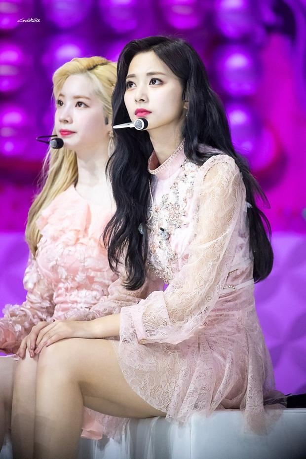 6 nàng Bạch Tuyết xứ Hàn: Da trắng, tóc đen như gỗ mun, có người 30 tuổi rồi vẫn chưa một lần nhuộm tóc - Ảnh 21.