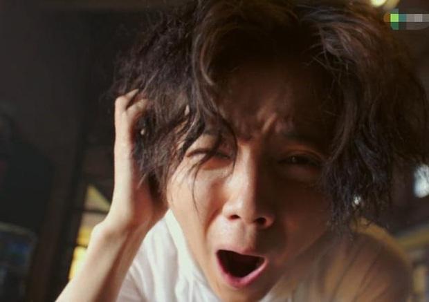 """Lộc Hàm tái xuất với tạo hình """"nghèo rớt mồng tơi"""" ở phim mới khiến fan hú hồn không nhận ra idol - Ảnh 8."""