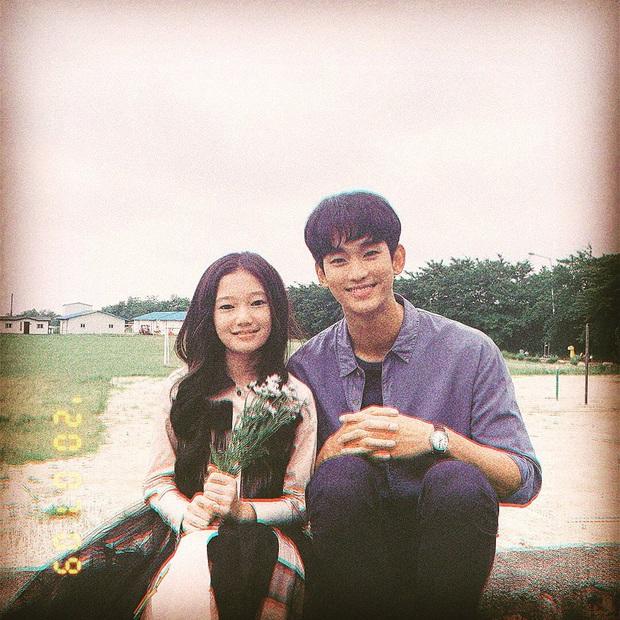 Chẳng màng ăn diện, anh điều dưỡng Kim Soo Hyun chỉ mặc dăm ba món đồ cơ bản vẫn khiến chị em xuýt xoa - Ảnh 5.