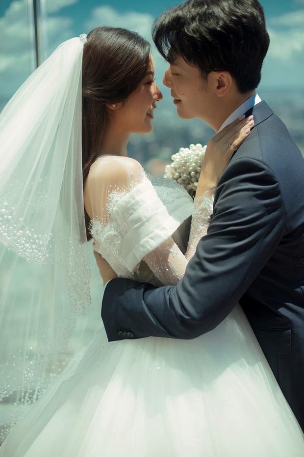 Thuý Vân tung ảnh cưới với ông xã doanh nhân trước thềm hôn lễ: Ánh mắt và nụ cười hạnh phúc nói lên tất cả! - Ảnh 3.