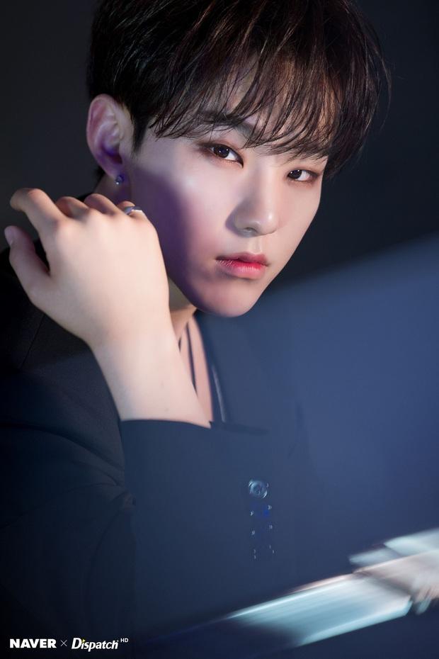 6 nam idol có giọng hát độc đáo của Kpop: Anh em nhà EXO - NCT đều góp mặt, BTS gây bất ngờ khi có đến 2 đại diện - Ảnh 5.