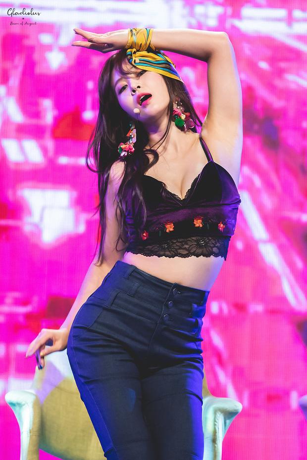 Mỹ nhân SNSD được tôn làm nữ idol body đẹp nhất Kpop: Đâu cần eo 0% mỡ thừa, chân thon nhưng vẫn gây bão suốt 10 năm - Ảnh 14.