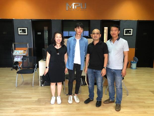 Chàng trai Việt đầu tiên được làm việc cùng nhà soạn nhạc huyền thoại của Lion King, The Dark Knight, Inception… - Ảnh 5.