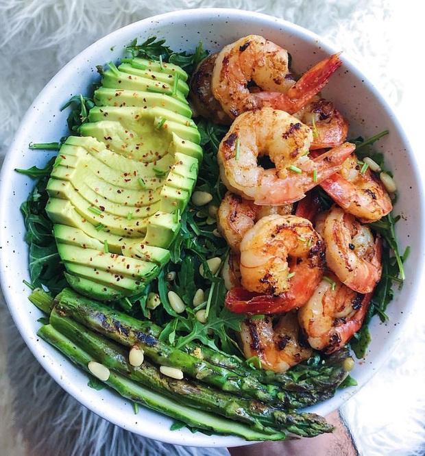 Áp dụng 7 tips giúp ăn ít đi mà không sợ đói, chị em sẽ thấy việc giảm cân chưa bao giờ dễ đến thế - Ảnh 1.