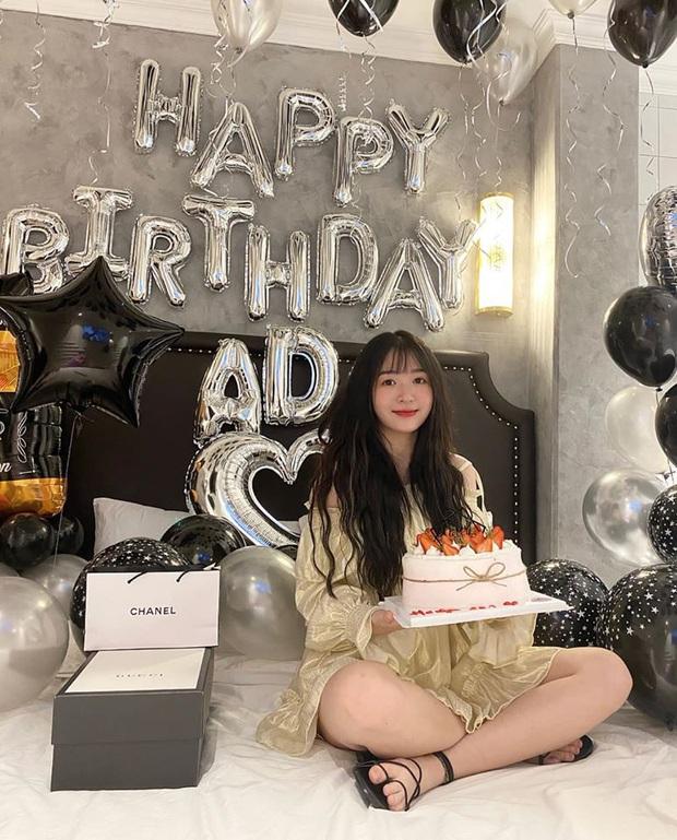 FL.ADC khiến fan trầm trồ khi khoe được người yêu tổ chức sinh nhật sớm, đáng chú ý là món quà đắt tiền - Ảnh 3.