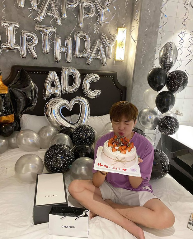 FL.ADC khiến fan trầm trồ khi khoe được người yêu tổ chức sinh nhật sớm, đáng chú ý là món quà đắt tiền - Ảnh 6.