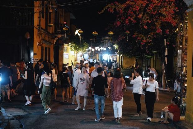 Thương một Hội An oằn mình sau dịch: hàng quán đóng cửa, cả khu phố đều chuyển sang bán chè - Ảnh 9.