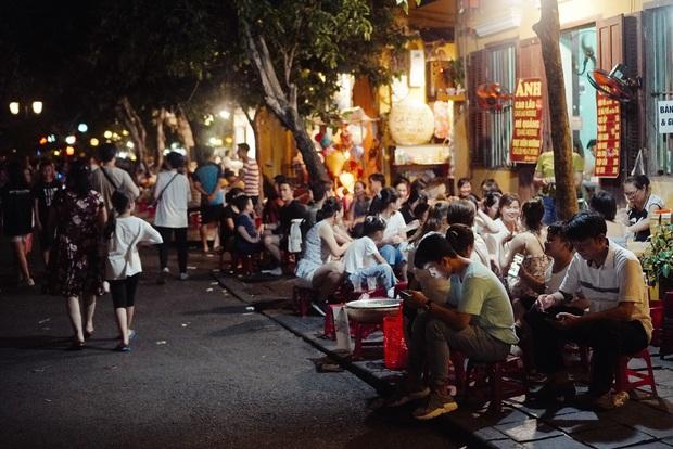 Thương một Hội An oằn mình sau dịch: hàng quán đóng cửa, cả khu phố đều chuyển sang bán chè - Ảnh 7.
