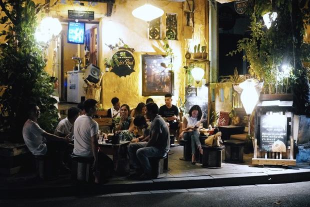 Thương một Hội An oằn mình sau dịch: hàng quán đóng cửa, cả khu phố đều chuyển sang bán chè - Ảnh 3.