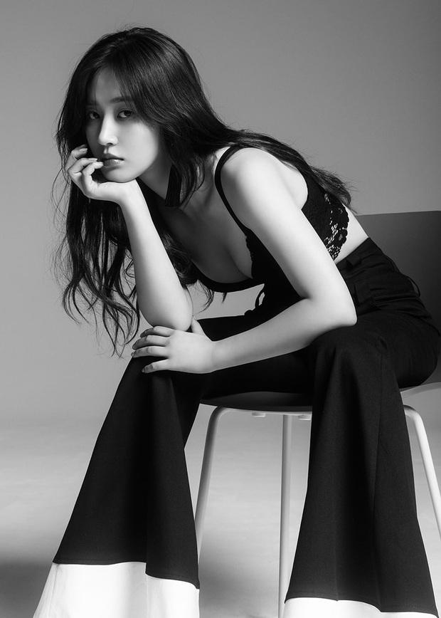 Mỹ nhân SNSD được tôn làm nữ idol body đẹp nhất Kpop: Đâu cần eo 0% mỡ thừa, chân thon nhưng vẫn gây bão suốt 10 năm - Ảnh 33.