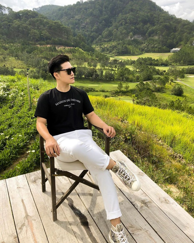 Chẳng màng ăn diện, anh điều dưỡng Kim Soo Hyun chỉ mặc dăm ba món đồ cơ bản vẫn khiến chị em xuýt xoa - Ảnh 16.