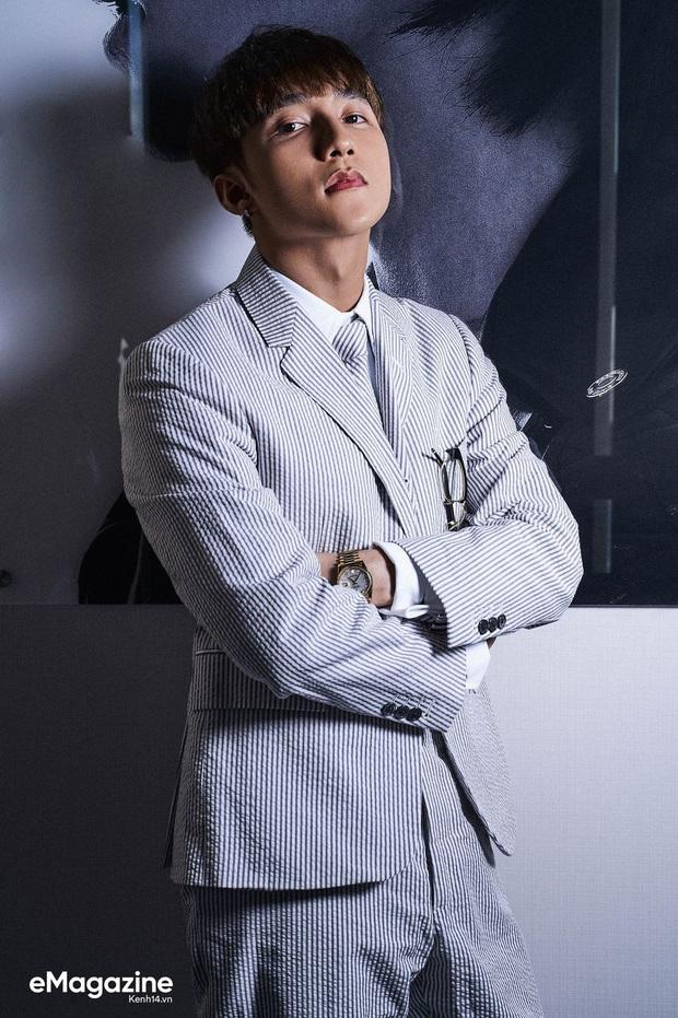 PHÁT SỐT: Sơn Tùng ra mắt M-TP Talent, từ ca sĩ, đến Chủ tịch và sắp tới là ông bầu Nguyễn Thanh Tùng đào tạo các nghệ sĩ mới? - Ảnh 1.