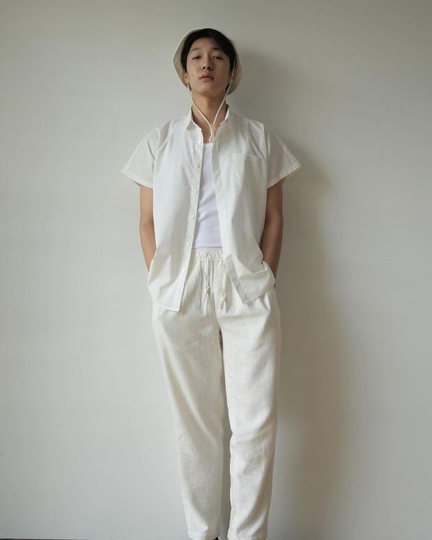 Chẳng màng ăn diện, anh điều dưỡng Kim Soo Hyun chỉ mặc dăm ba món đồ cơ bản vẫn khiến chị em xuýt xoa - Ảnh 14.