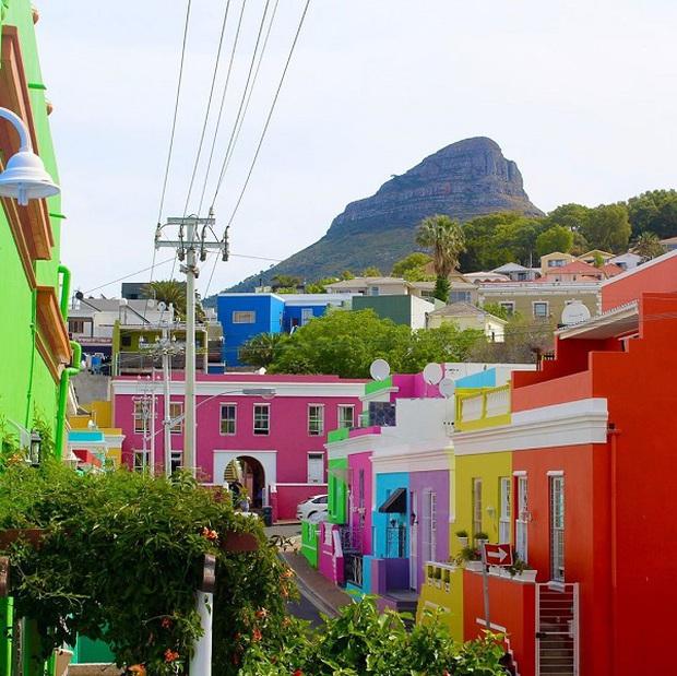 Những địa điểm du lịch sặc sỡ nhất thế giới, càng màu mè thì càng hút khách hơn - Ảnh 11.