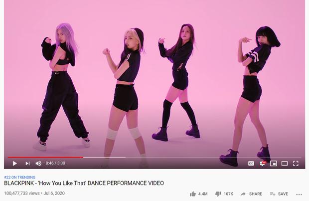 """Hết MV lại đến lượt video vũ đạo """"How You Like That"""" đạt 100 triệu lượt xem trong thời gian kỉ lục, thế này ai làm lại BLACKPINK? - Ảnh 1."""