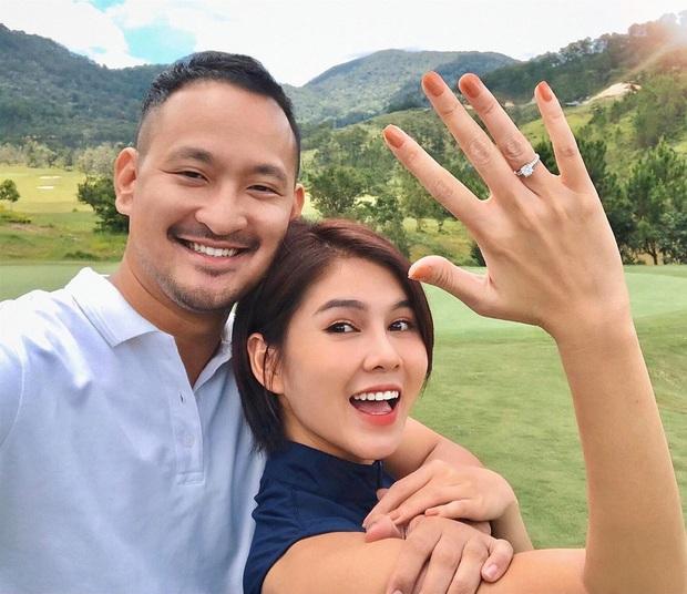 MC Thu Hoài được bạn trai CEO cầu hôn giữa Đà Lạt bằng nhẫn kim cương to đùng - Ảnh 1.