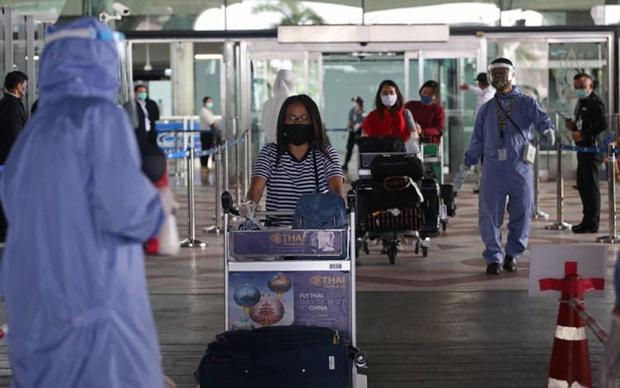Thái Lan gia hạn tình trạng khẩn cấp quốc gia đối phó dịch Covid-19 - Ảnh 1.