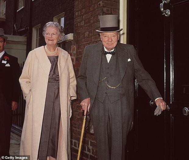 Bức thư trìu mến cựu Thủ tướng Anh Churchill gửi mối tình đầu ở tuổi 83 - Ảnh 3.