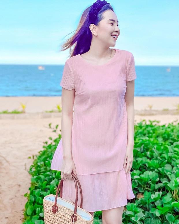 Các mỹ nhân Việt có bao cách diện chân váy siêu xinh, bạn áp dụng thì sẽ đẹp mọi lúc mọi nơi - Ảnh 10.