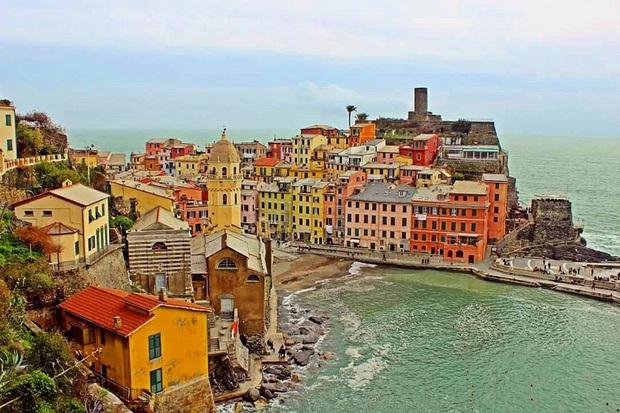 Những địa điểm du lịch sặc sỡ nhất thế giới, càng màu mè thì càng hút khách hơn - Ảnh 7.
