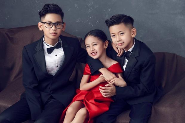 Bộ ảnh kỷ niệm 13 năm cưới của Hà Kiều Anh: Sang trọng chuẩn gia đình đá quý, công chúa út chiếm spotlight vì quá dễ thương! - Ảnh 7.