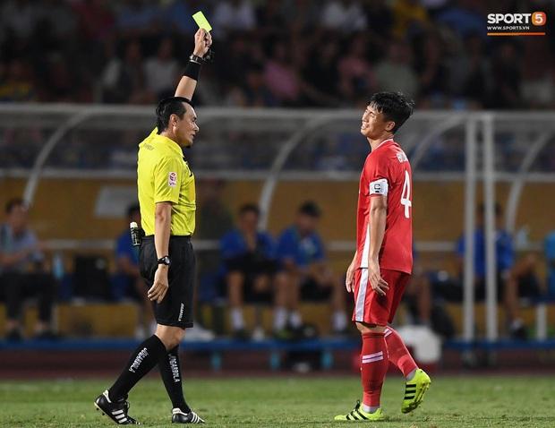 Bùi Tiến Dũng tranh luận cực gắt với trọng tài trận Viettel gặp CLB Đà Nẵng - Ảnh 3.