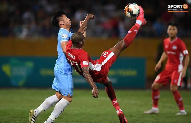 Bùi Tiến Dũng tranh luận cực gắt với trọng tài trận Viettel gặp CLB Đà Nẵng - Ảnh 7.