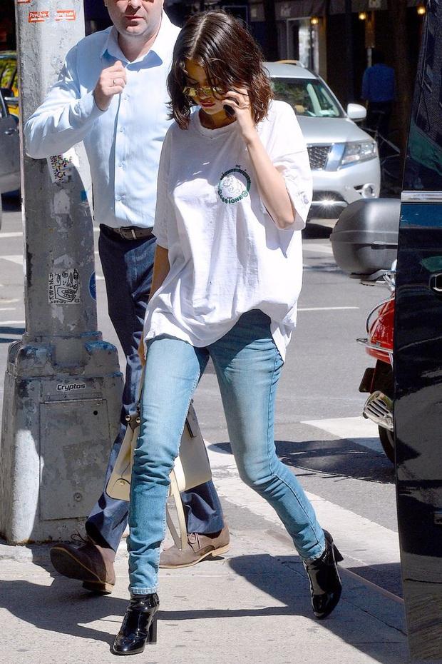 Nhìn lại mới thấy Selena Gomez có style mùa hè đẹp xuất sắc nhưng cực dễ copy, chị em shopping theo là chuẩn  - Ảnh 7.