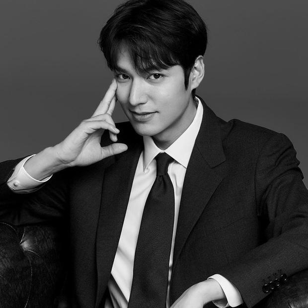 Idol nhà người ta - nhà tôi cùng khoe ảnh: Lee Min Ho sang chảnh, Kim Soo Hyun tự dìm, nhưng sao độ hot chẳng kém? - Ảnh 3.