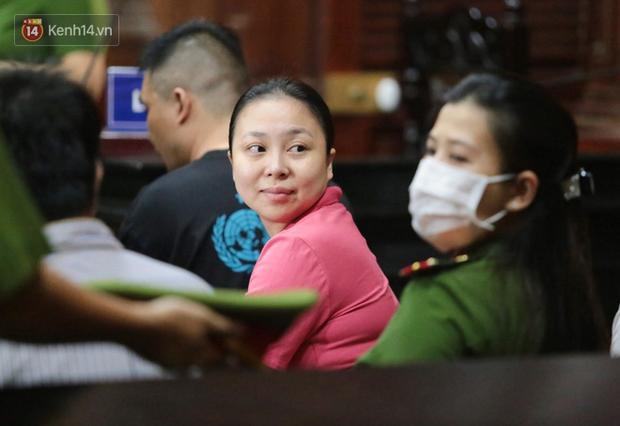 2 nữ bị cáo bật khóc khi nói lời sau cùng trước toà: Con xin lỗi mẹ, con đã sai rồi - Ảnh 3.