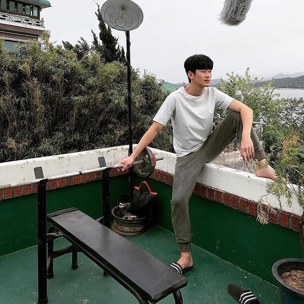 Idol nhà người ta - nhà tôi cùng khoe ảnh: Lee Min Ho sang chảnh, Kim Soo Hyun tự dìm, nhưng sao độ hot chẳng kém? - Ảnh 7.