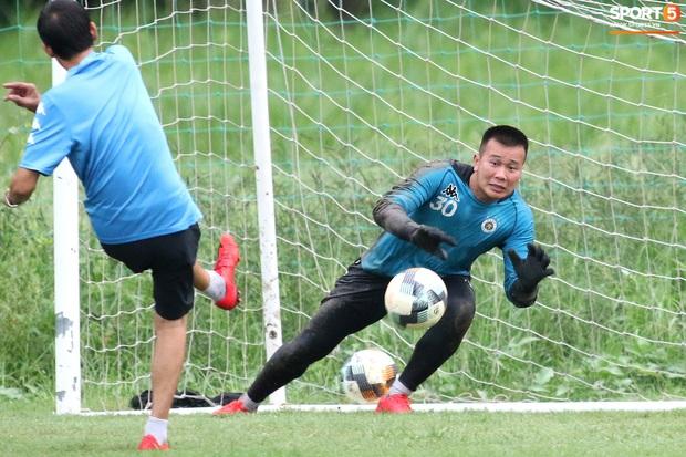 Quang Hải lập cú đúp bàn thắng trước ngày đấu Công Phượng, Bùi Tiến Dũng - Ảnh 8.