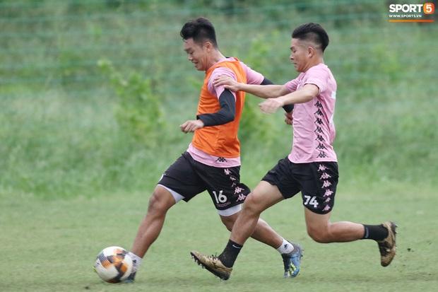 Quang Hải lập cú đúp bàn thắng trước ngày đấu Công Phượng, Bùi Tiến Dũng - Ảnh 9.